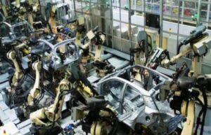 İzmit'te iş cinayeti: Üzerine metal malzeme düşen işçi hayatını kaybetti 2