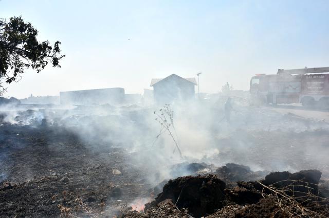 Demir kesen işçi fabrika bahçesini yaktı 4