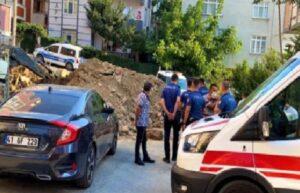Gebze'de toprak altında kalan işçi kurtarıldı 1