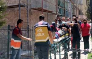 Karaman'da inşaatın 3. katından düşen işçi ağır yaralandı 7