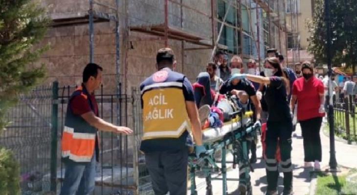 Karaman'da inşaatın 3. katından düşen işçi ağır yaralandı 10