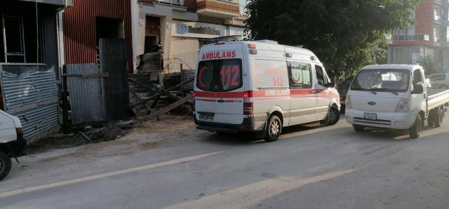 Bolu'da inşaatın çatısından düşen 17 yaşındaki işçi ağır yaralandı 2