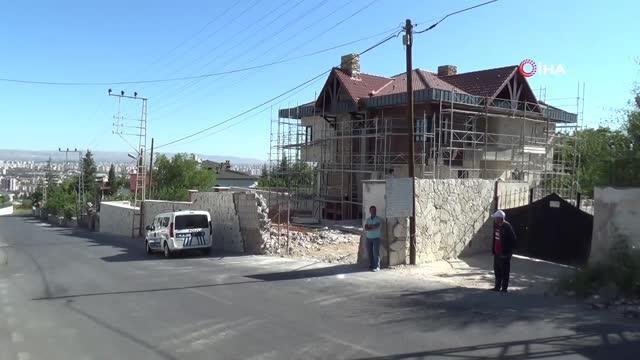 Kayseri'de inşaat zeminine düşen işçi ağır yaralandı