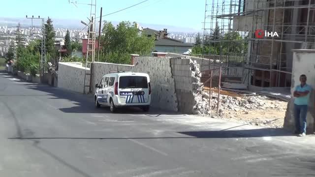 Kayseri'de inşaat zeminine düşen işçi ağır yaralandı 2
