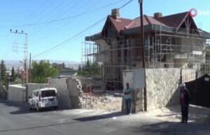 Kayseri'de inşaat zeminine düşen işçi ağır yaralandı 4