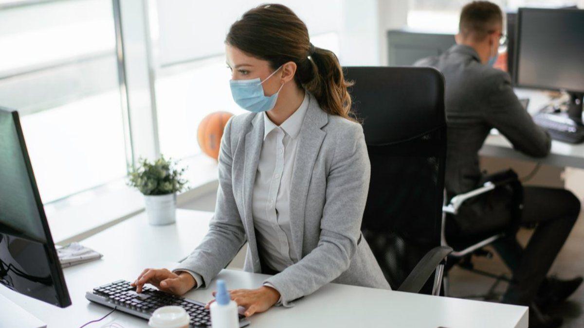 Koronavirüse yakalanan işçi kaç gün raporlu sayılır? 6