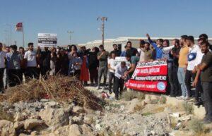 Şanlıurfa'da işten çıkarılan 350 işçi fabrika önünde eylem yaptı 2