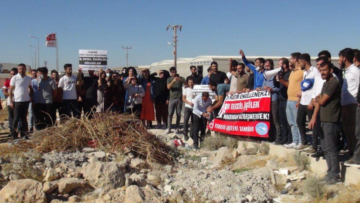 Şanlıurfa'da işten çıkarılan 350 işçi fabrika önünde eylem yaptı 11